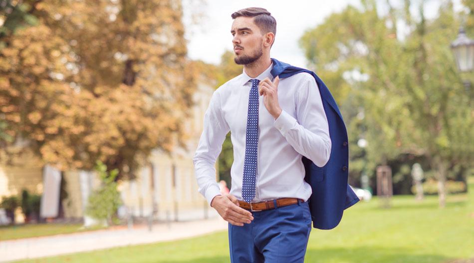 Blažek magazín: Ako prežiť cestovanie bez pokrčeného obleku