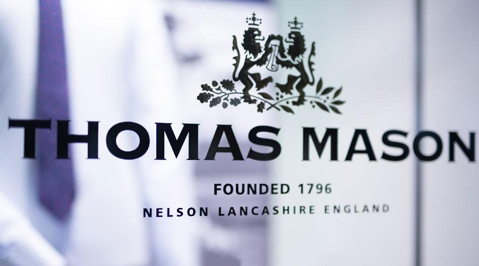 Britská tradícia Thomas Mason, látky, ktoré nosí aj kráľovská rodina