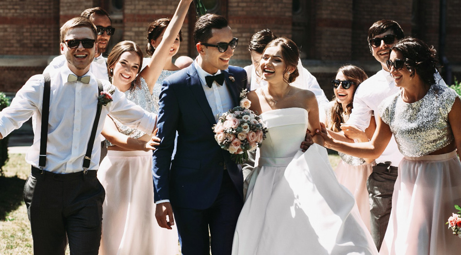Ako si vybrať svadobný oblek?