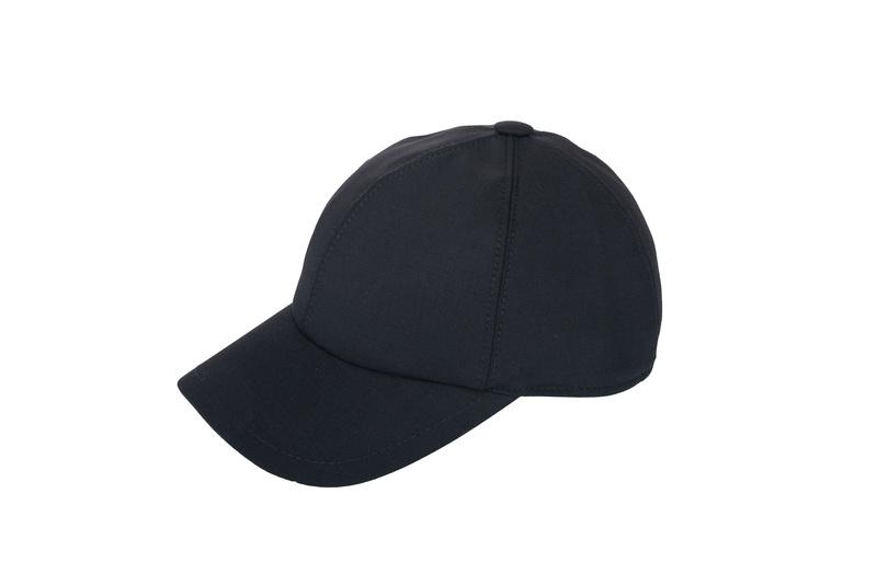 Čiapka informal, farba čierna