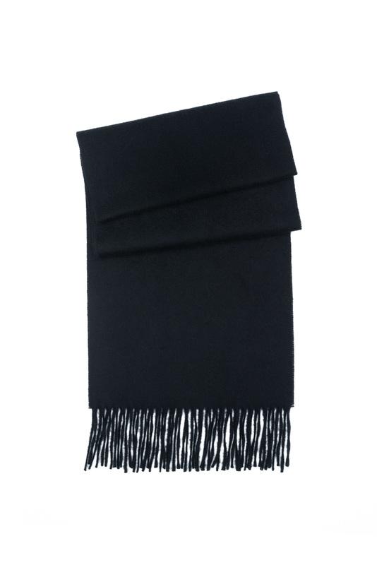 Šál ceremony, farba čierna