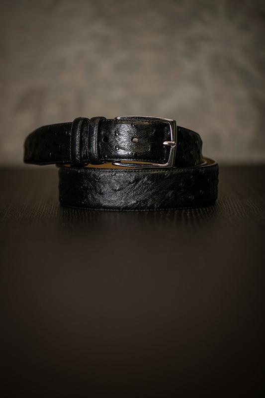 Čierny opasok z pravej Pštrosie kože