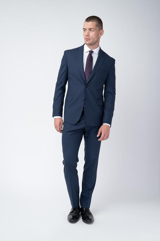Pánsky oblek Tmavo modrej farby