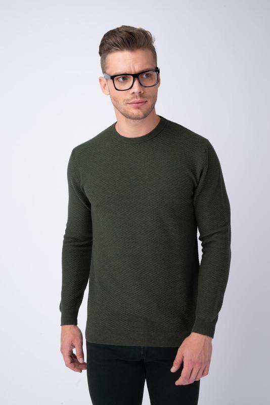 Tmavo zelený sveter S golierom do O