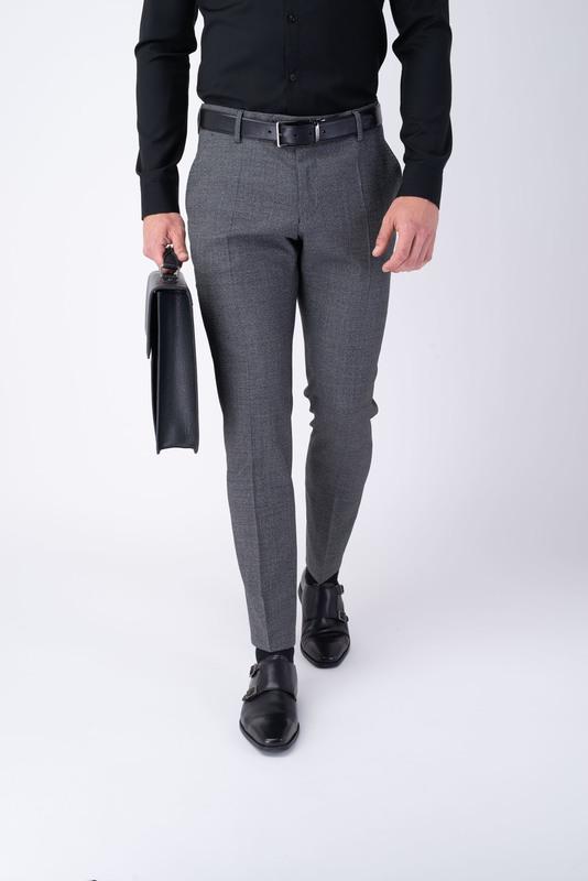 Formálne nohavice V priliehavom strihu