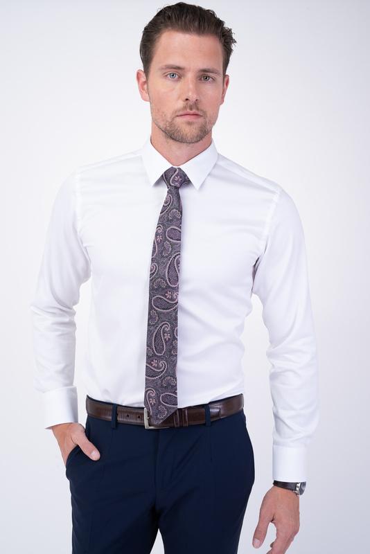 Biela košeľa Vhodná do obleku
