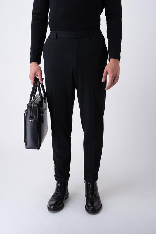 Čierne neformálne nohavice V rozšírenom strihu