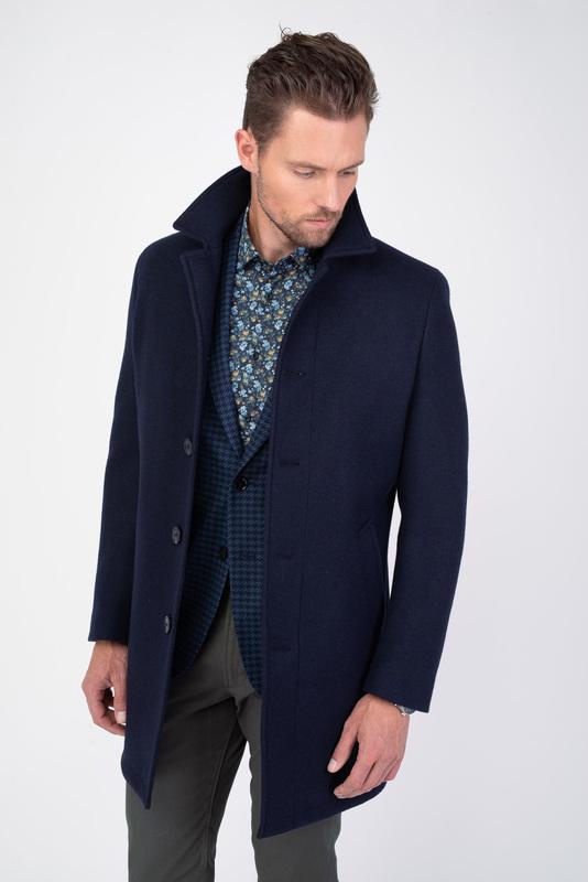 Formálný plášť V pohodlnom strihu
