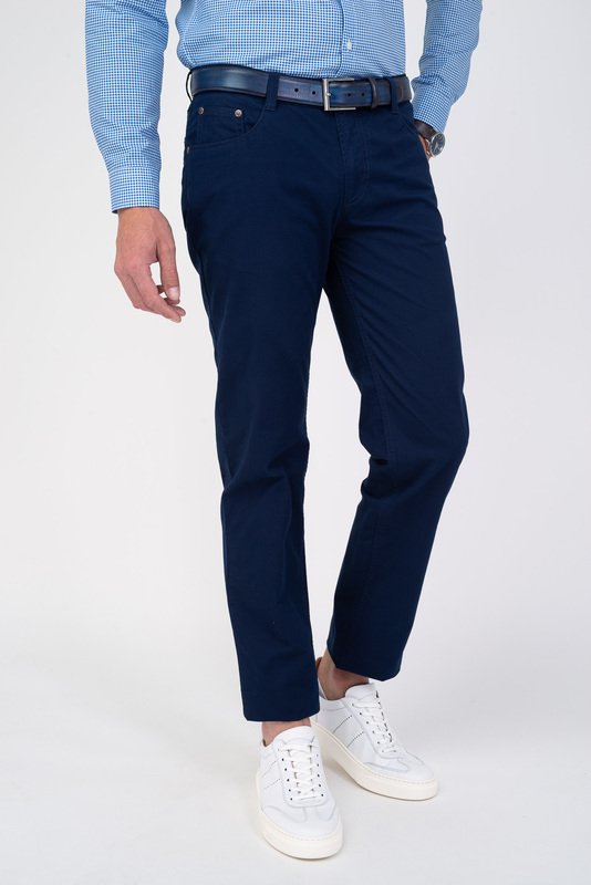 Neformálne nohavice V pohodlnom strihu